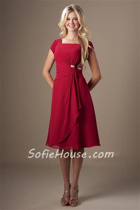 square neck red chiffon draped short bridesmaid