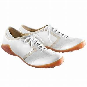 Pro Idee Schuhe : weisse sommer sneaker mode klassiker entdecken ~ Lizthompson.info Haus und Dekorationen