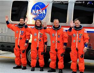 Commander of final shuttle mission takes CST-100 on ...