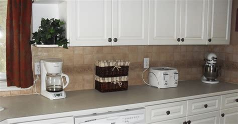 Clean Grease Off Kitchen Cabinets Living Room Furniture For Sale Craigslist Restaurant Liverpool Park Hyatt Menu Diy Built Ins Oversized Leather Set The Theater Jefferson Tx Old House Bay Window Layout