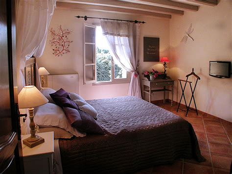 chambre hotes luberon les chambres d 39 hotes du bastide des cardelines en provence
