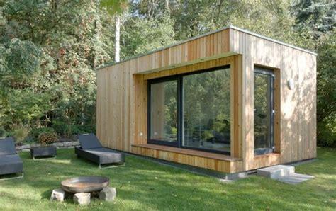 Moderne Häuser Mit Grossen Fenstern by Sch 246 Nes Gartenhaus Mit Gro 223 En Fenstern Garten