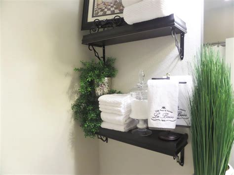small powder room bathroom ideas decorating pictures of guest bathroom decorating on a budget be my guest with