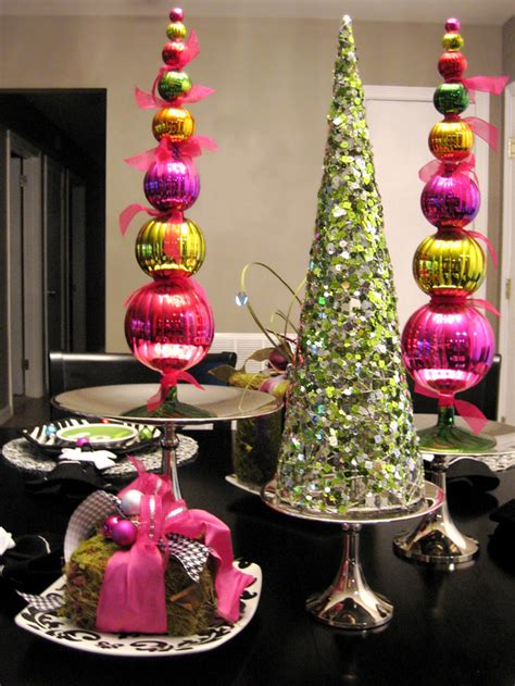 christmas tree centerpiece 35 awesome christmas balls and ideas how to use them in decor digsdigs