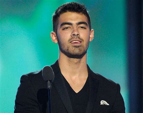 Joe Jonas no solo actúa también produce   Red17