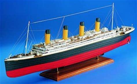 amati rms titanic  ship kit  scale wood ship kit