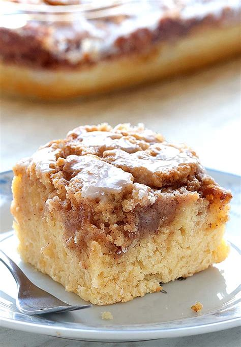 easy cinnamon roll coffee cake cakescottage