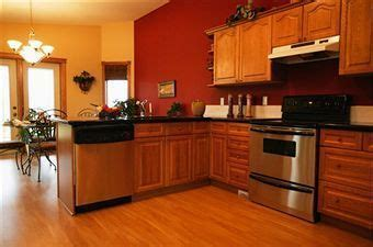 kitchen wall colors with oak cabinets eye pleasing paint colors for kitchens with oak cabinets 9622