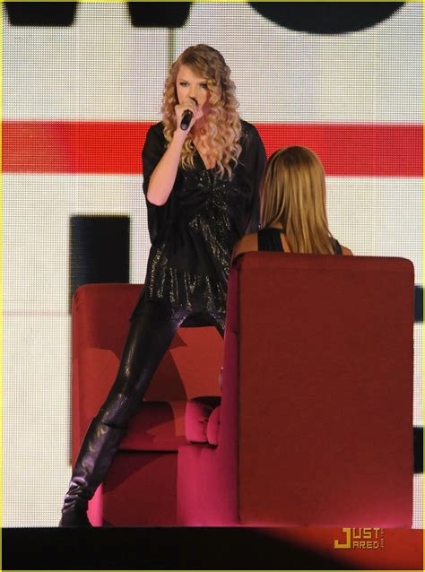 taylor swift fan mail address taylor swift sweeps the cmas photo 346831 photo