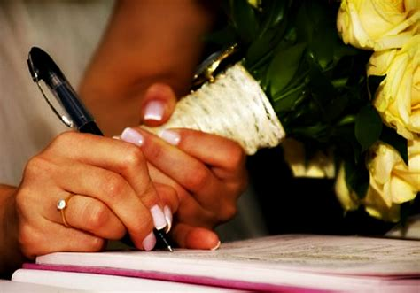 woman put   marriage contract  islam