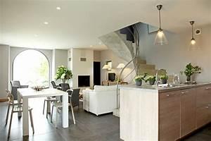 Deco Mur Interieur Moderne : deco interieur moderne maison meuble oreiller matelas ~ Teatrodelosmanantiales.com Idées de Décoration