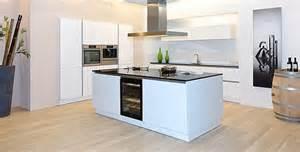 küche mit kochinsel küche mit kochinsel küchenplanung
