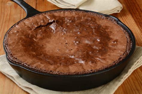 skillet desserts delicious skillet dessert recipes that are super easy