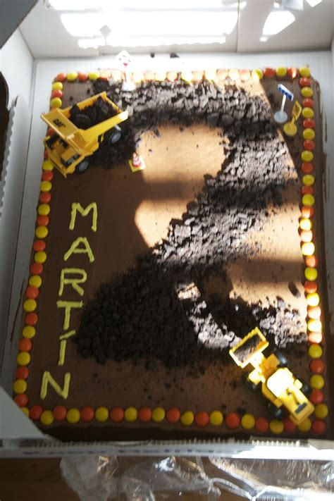 Construction Cake Decorations by 25 Best Ideas About Dump Truck Cakes On Tonka