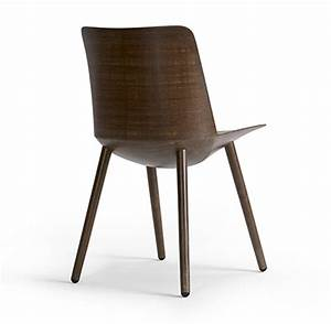 3Novices:Chair made from flax fibres and bio