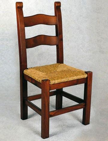 sedie di legno massello e sedile di paglia