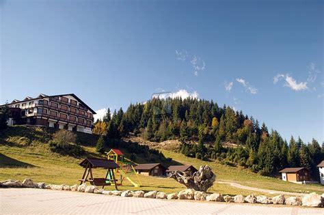 vile cheile gradistei resort fundata agentia de turism happy holiday