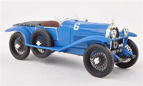 Diecast model ferrari f40 sports car race and play 1:24 scale. 20 Awesome Ferrari F40 Diecast 1/18 - Italian Supercar