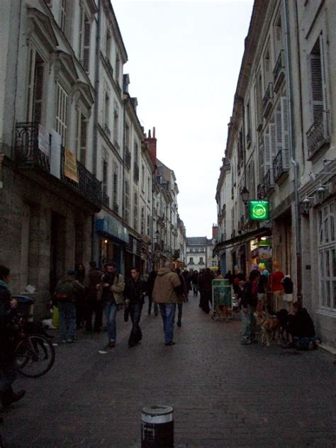 photo la rue du commerce tours et ses environs tours par betty tripper tips