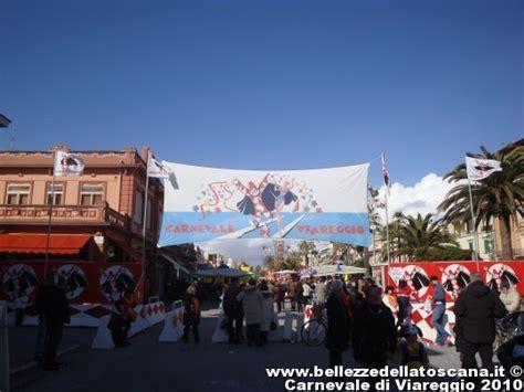Ingresso Carnevale Viareggio Fotografia Carnevale Di Viareggio 2010 Lu 1