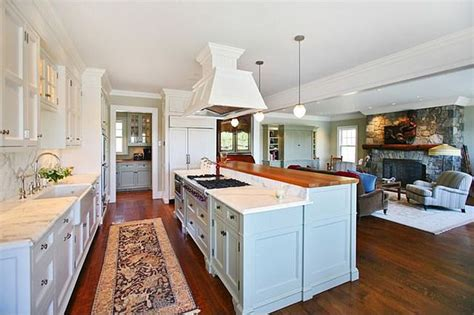 Decorating Ideas For Family Room Kitchen Combination by Best 25 Small Kitchen Family Room Combo Ideas On