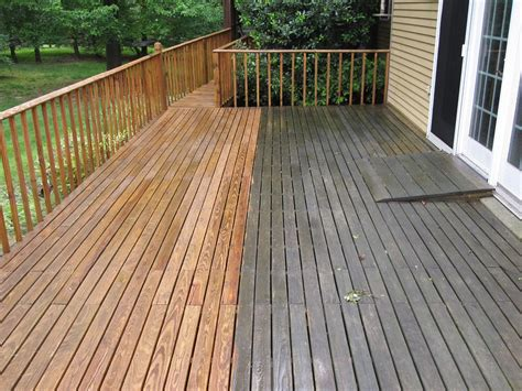 cleaning wood deck with deck and fence cleaning bluegrass power washing
