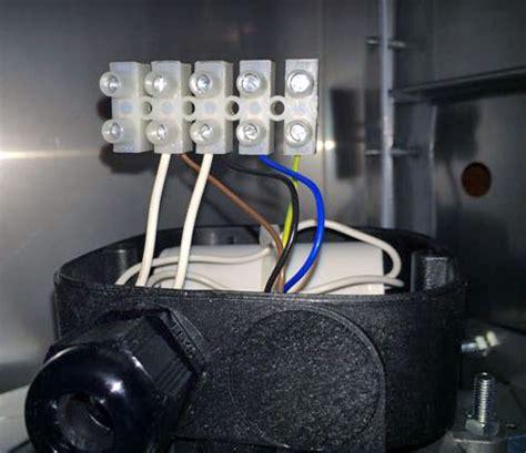 branchement hotte cuisine question travaux électricité aide pour branchement d 39 un