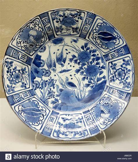 large dish imari ware edo period  century bird