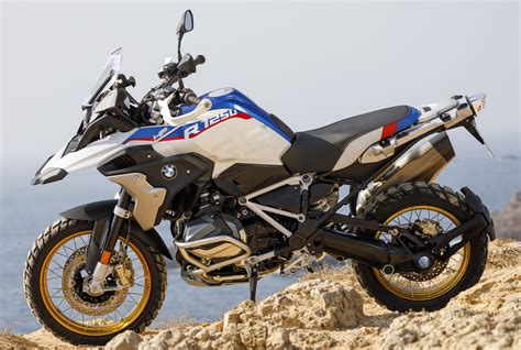Bmw R 1200 Gs 2019 Image by 2019 Bmw Motorrad R 1250 Gs And R 1250 Rt Shown Paul