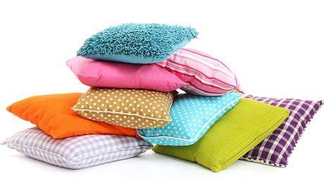 tissu canape metre fabriquer une housse de coussin carré pour canapé