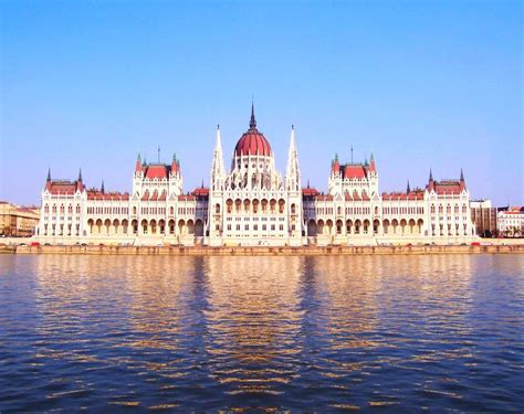 Budapest: House of Parliament Visit and Grand City Tour
