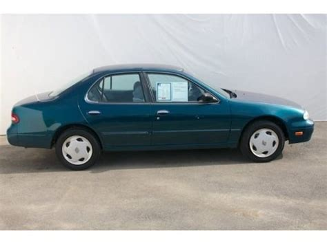 1995 Nissan Altima by 1995 Nissan Altima Gxe Data Info And Specs Gtcarlot