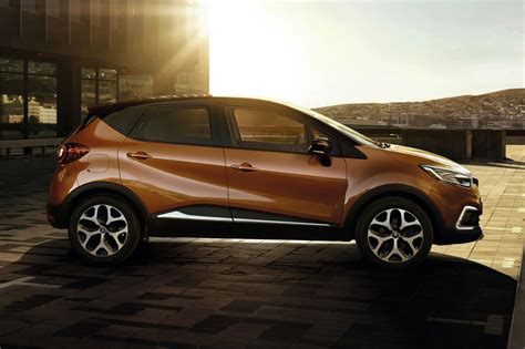 new renault captur 2017 new renault captur nip and tuck time for french crossover