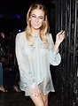 LeAnn Rimes Performs 'Can't Fight the Moonlight' at ...