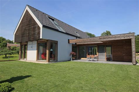 Gable Hip Roof by A Combination Of A Flat And Gable Roof Modern Glass