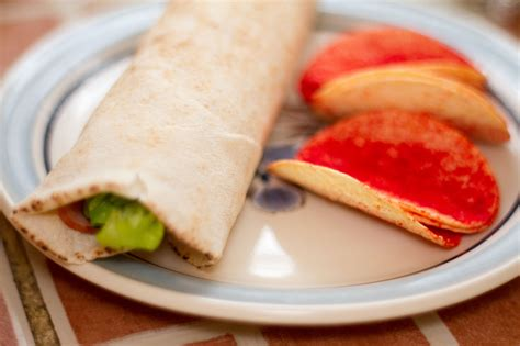 How to Make a Pita Wrap: 9 Steps (with Pictures) - wikiHow