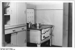 bild für küche file bundesarchiv bild 183 s99852 berlin wohnungen karl marx allee ho möbel küche jpg