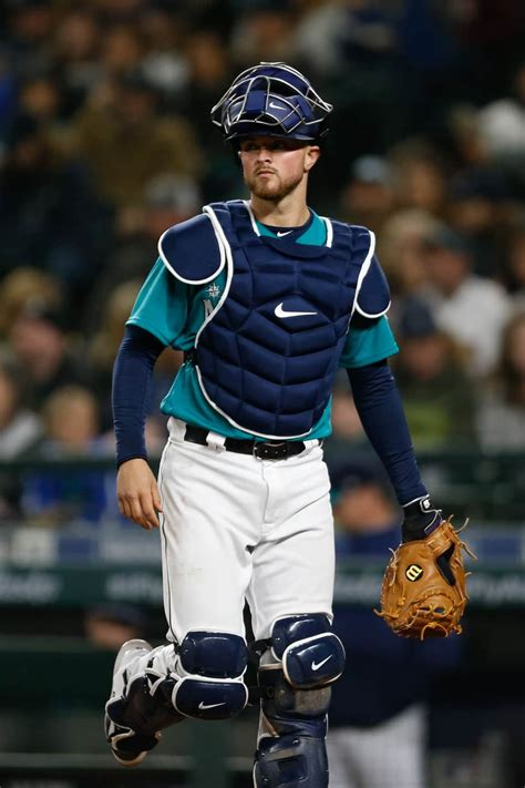Mariners catcher retires, joins organization fighting eating disorders