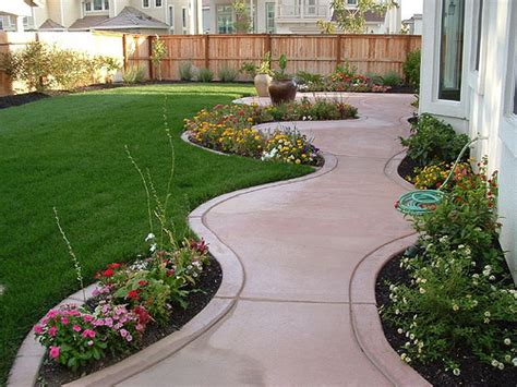 Garden Ideas For Small Backyards by Exclusive Landscaping Ideas To Fit Your Low Budget