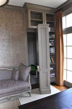 Ungenutzte Tür Verstecken by Wei 223 E T 252 R Mit Eingebautem B 252 Cherregal Holzstuhl In Rot