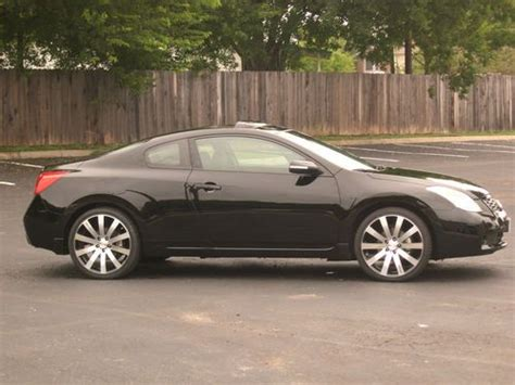 Sell Used 2008 08 Black Nissan Altima Se Coupe 2-door 3.5l