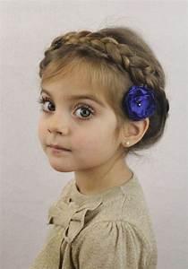 Coiffure Facile Pour Petite Fille : coiffure petite fille 3 ans 40 coiffures de petite fille qui changent des couettes elle ~ Nature-et-papiers.com Idées de Décoration
