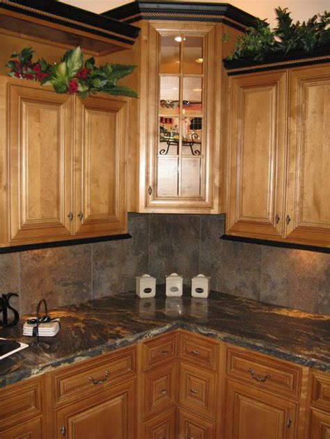 kitchen cabinet crown this is pretty black crown molding with brown 2445