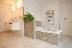 Moderne Wandgestaltung Bad : badezimmer in steinoptik ~ Sanjose-hotels-ca.com Haus und Dekorationen