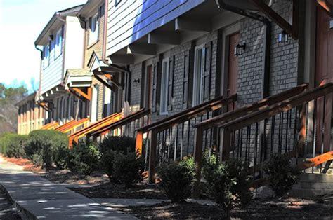 broadway  east atlanta apartments  flat shoals se