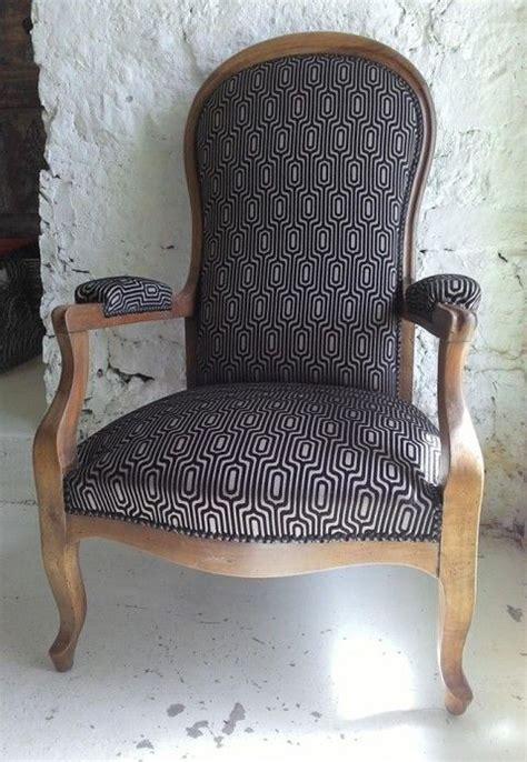 chaise voltaire les 25 meilleures idées de la catégorie fauteuil voltaire
