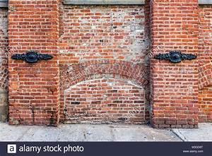 Brick Wall In Brooklyn Stock Photos & Brick Wall In ...
