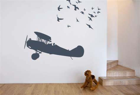 muursticker kinderkamer vliegtuig muurstickers voor het thema varen vliegen en rijden