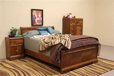 sold art deco  waterfall full size  pc bedroom set