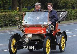 Britain's oldest working car still going after 107 years ...